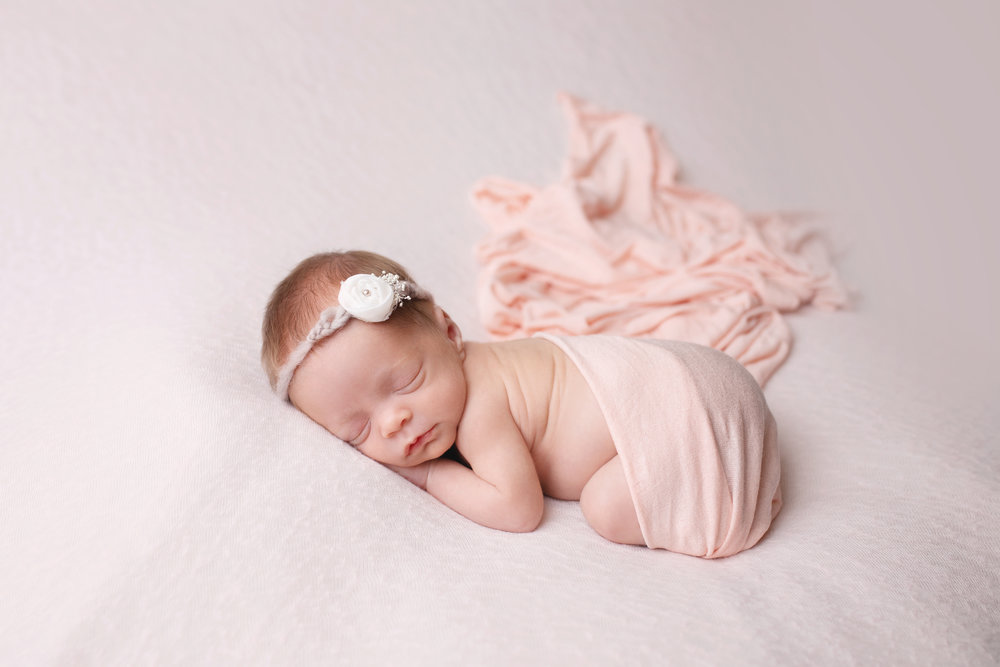 anchorage-newborn-photographer-2.jpg