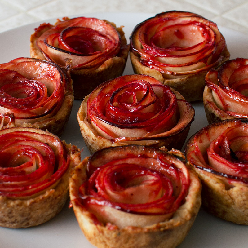 Apple Rose Pies.jpg