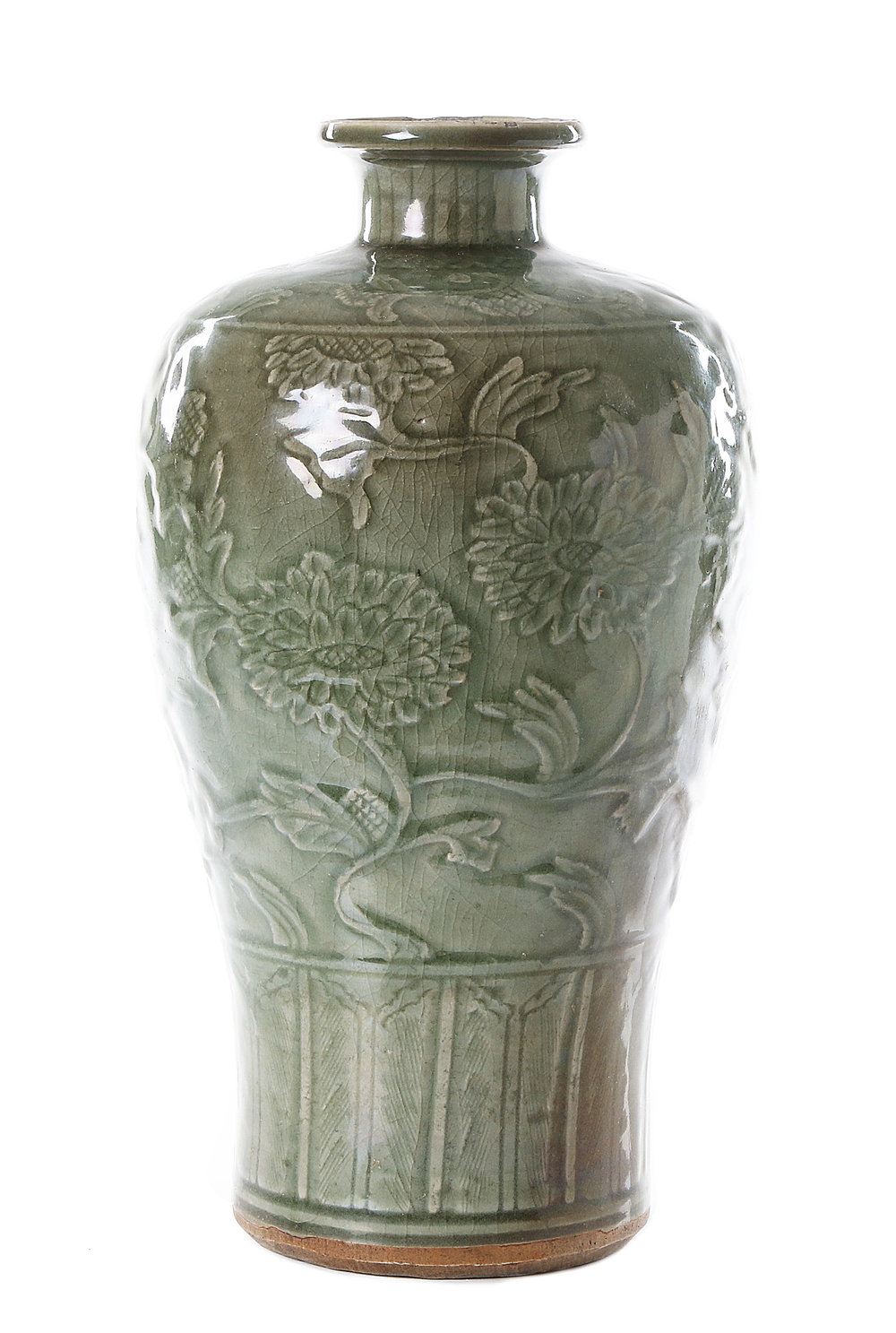 Meiping Vase, celadon glaze, Ming, sold Online for SEK 55,000.