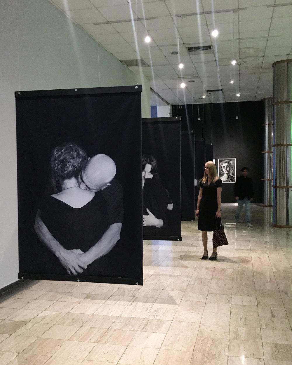 Sentí algo rozando mi espalda (duet composition #1), 2018    Proyecto Frontera (group exhibition) , Museo de Arte Contemporáneo Número 8 (MAC 8), Aguascalientes, Mexico, July 2018