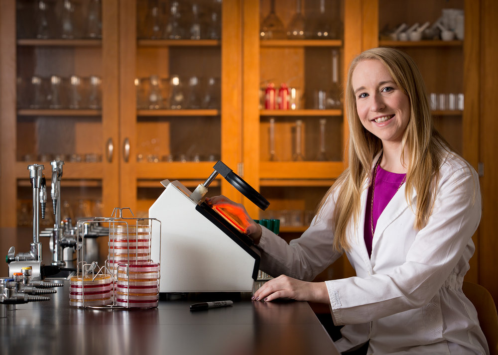 Lauren Hudson - I am a postdoc researcher in the Food Science Dept. at UTIA and focus on genomics of food borne bacterial pathogens like SalmonellaI love cats, beer, and SEC football
