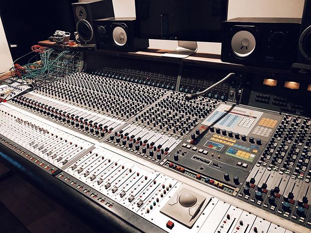 Couldn't wait for #faderfriday for this one... 😍  #neve #studio #fadermonday