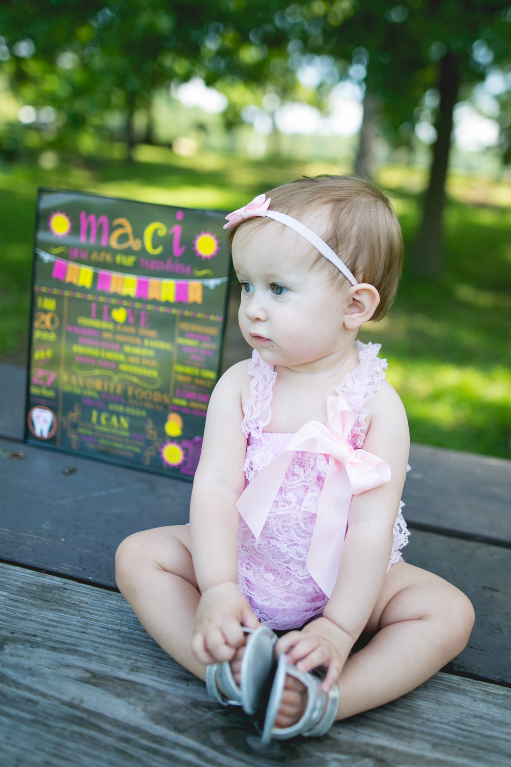 The Mott Family - A Greene Lane Park Family Session by Swiger Photography.  Family photos and first birthday session