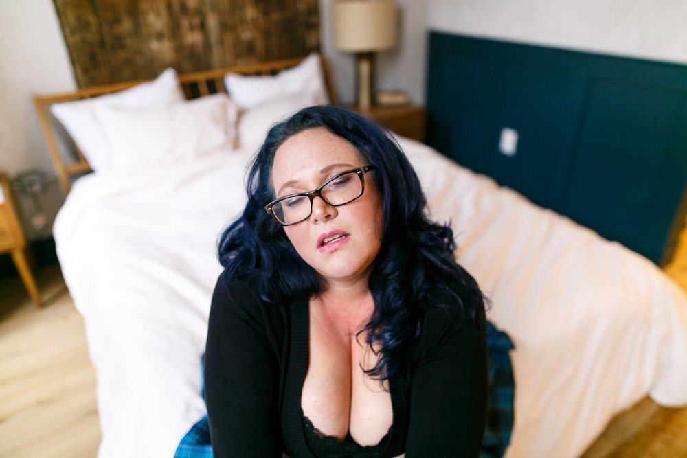 Plus size boudoir photographer Philadelphia