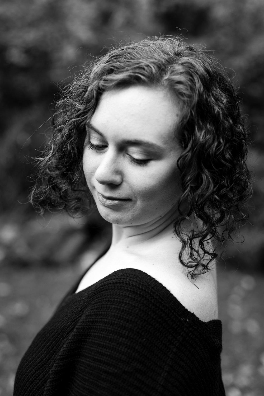 Hannah Headshots-13.jpg