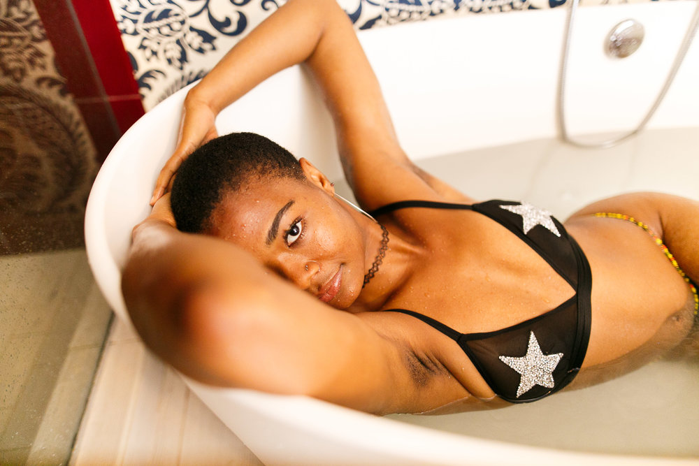 Fi Philadelphia bathtub boudoir Session-24.jpg