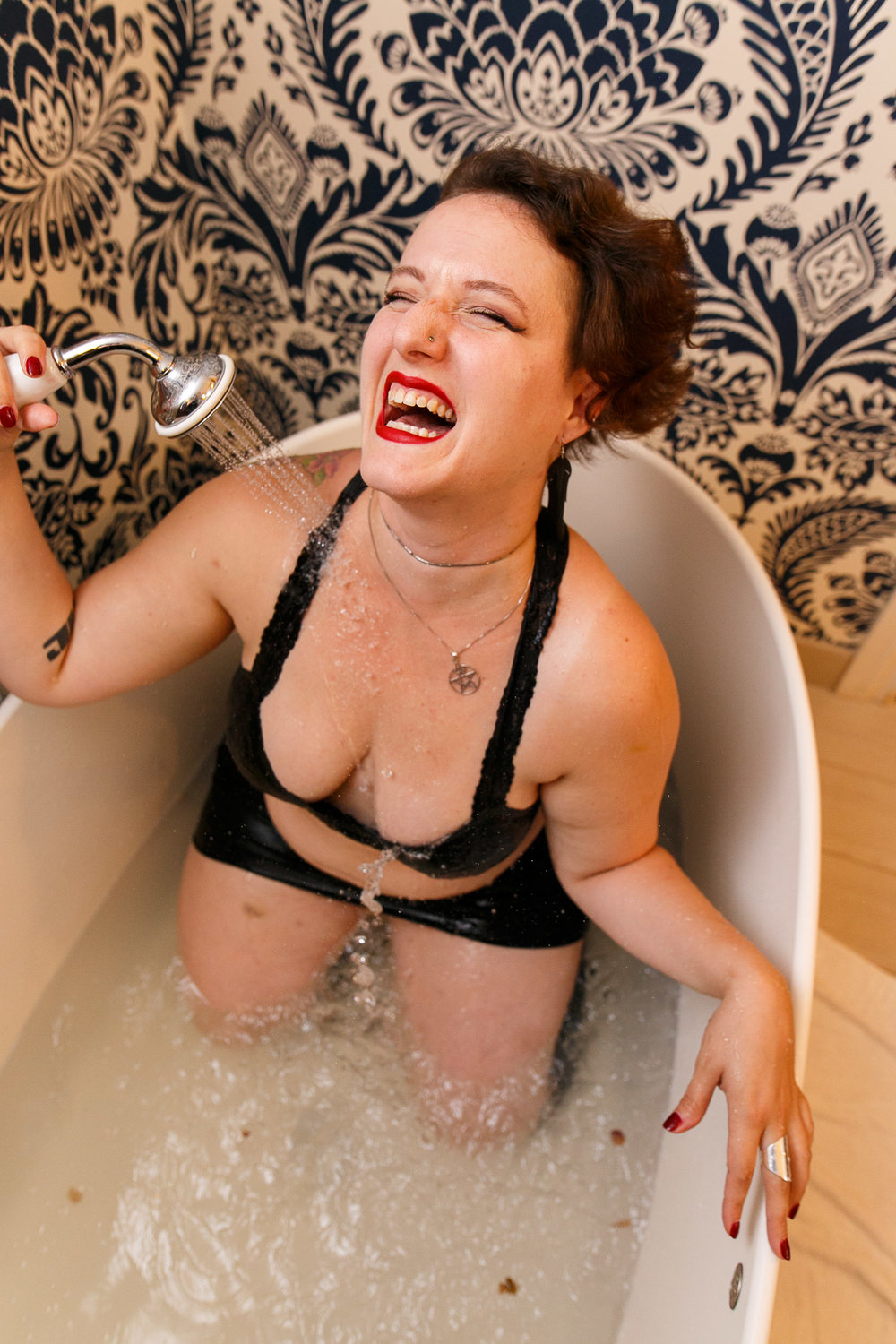 Glamorous Bathtub Boudoir Session at the Hotel Monaco Philadelphia 2