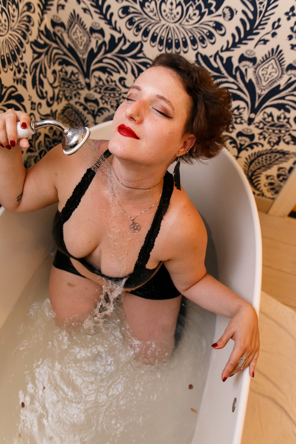 Glamorous Bathtub Boudoir Session at the Hotel Monaco Philadelphia 3