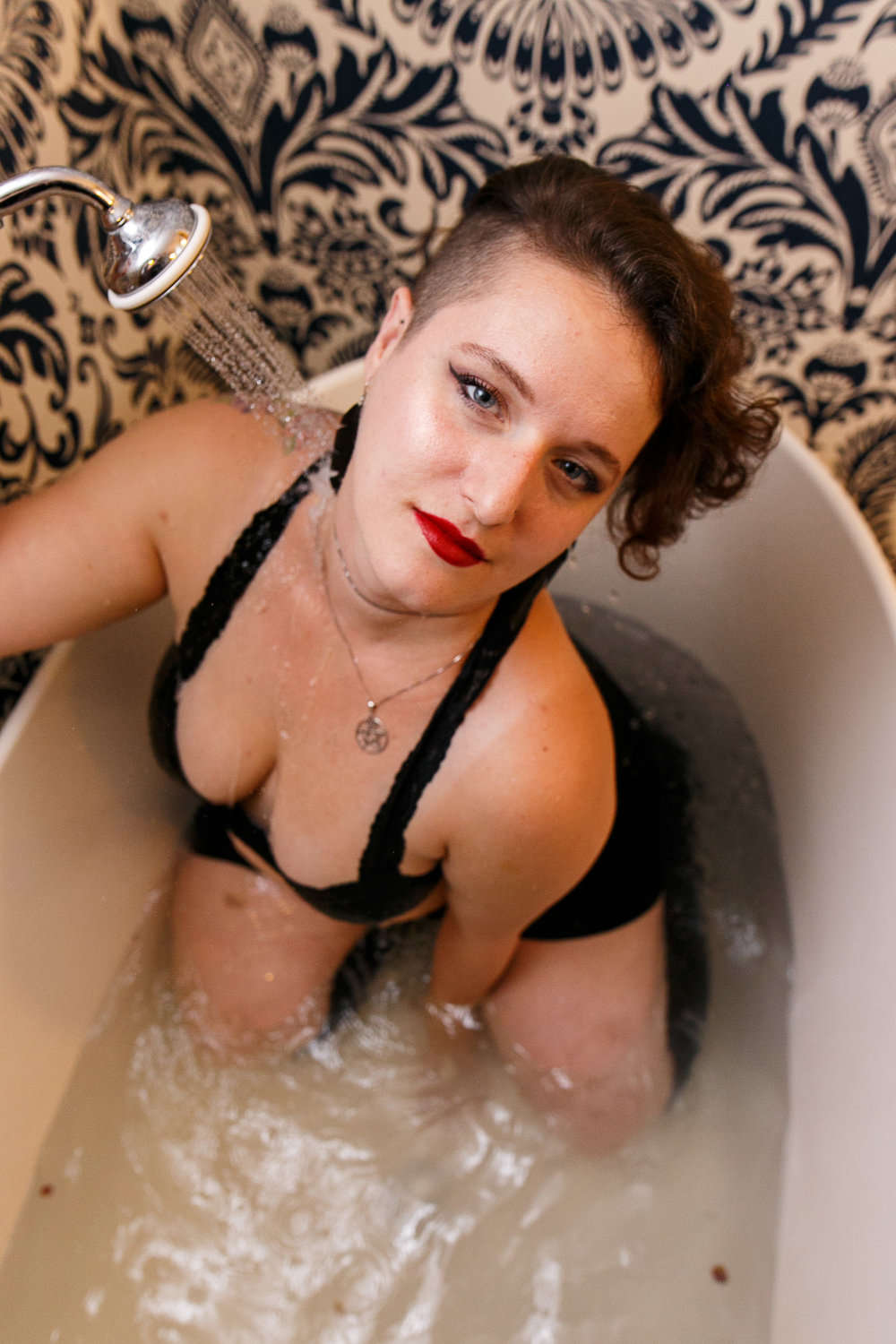 Glamorous Bathtub Boudoir Session at the Hotel Monaco Philadelphia 4