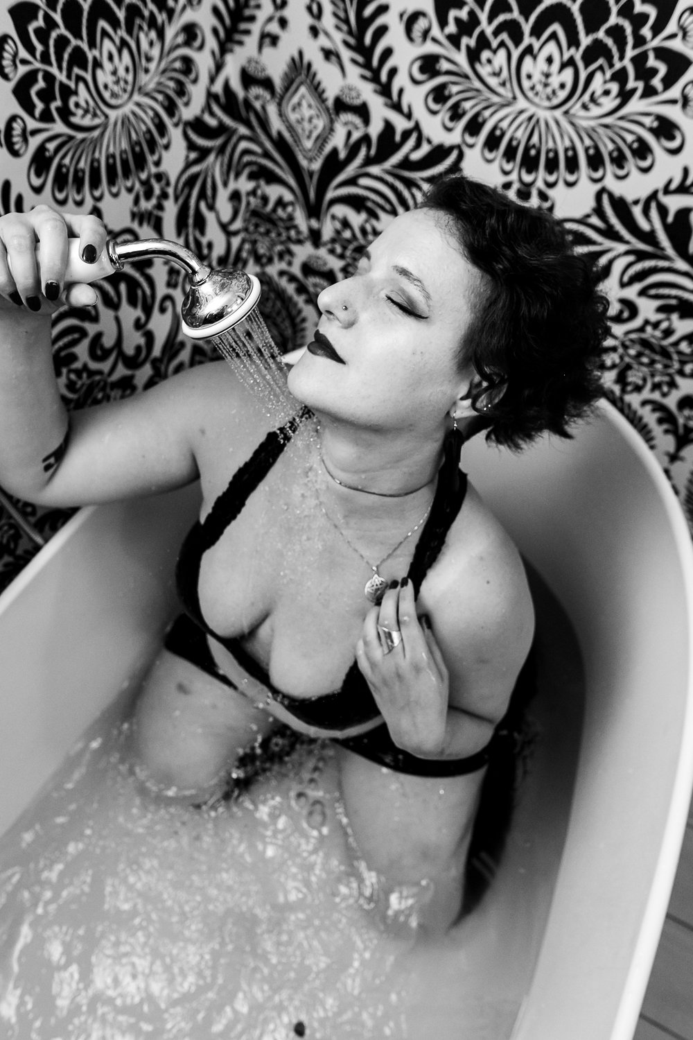 Glamorous Bathtub Boudoir Session at the Hotel Monaco Philadelphia 5