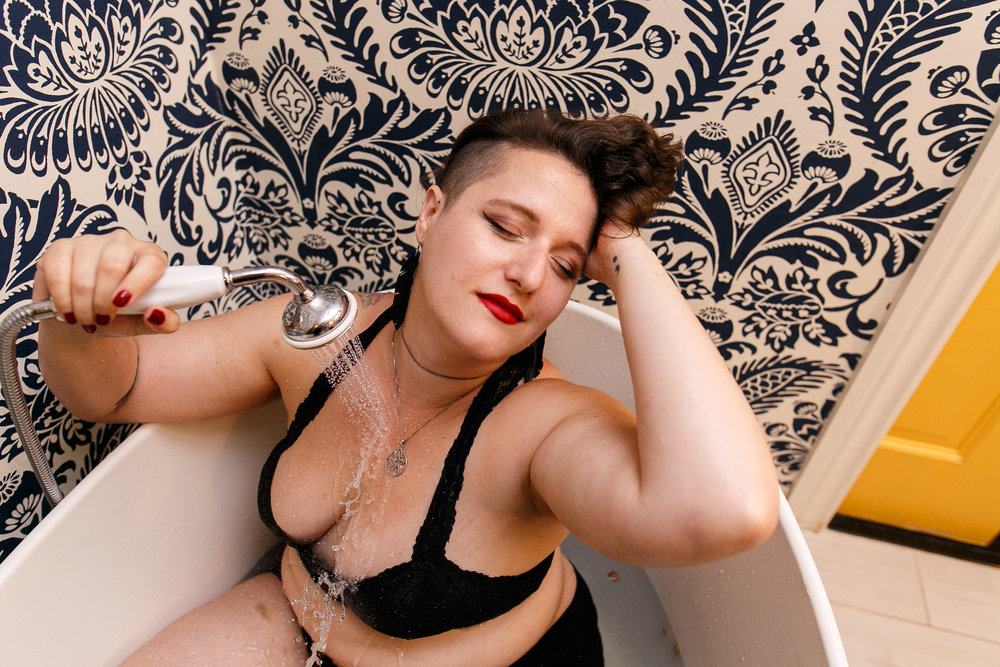 Glamorous Bathtub Boudoir Session at the Hotel Monaco Philadelphia 8