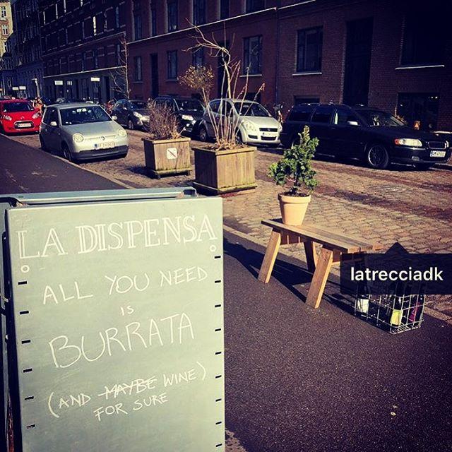 Crazy signals in Copenaghen 😂😂#allyouneedisburrata #🔝 #latrecciadk #okø