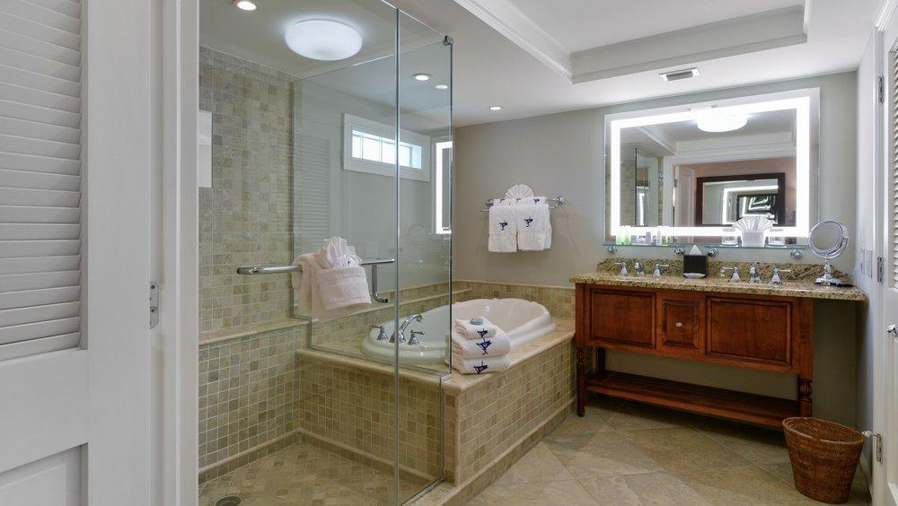 Dolphin Room Bathroom.jpg