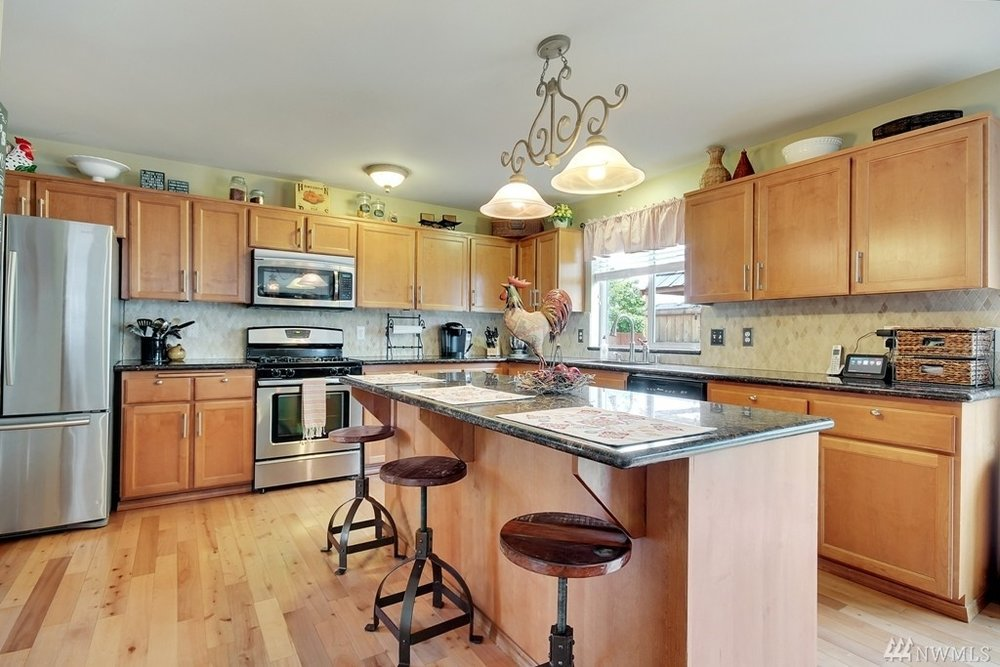 Kitchen - Partial Home Staging