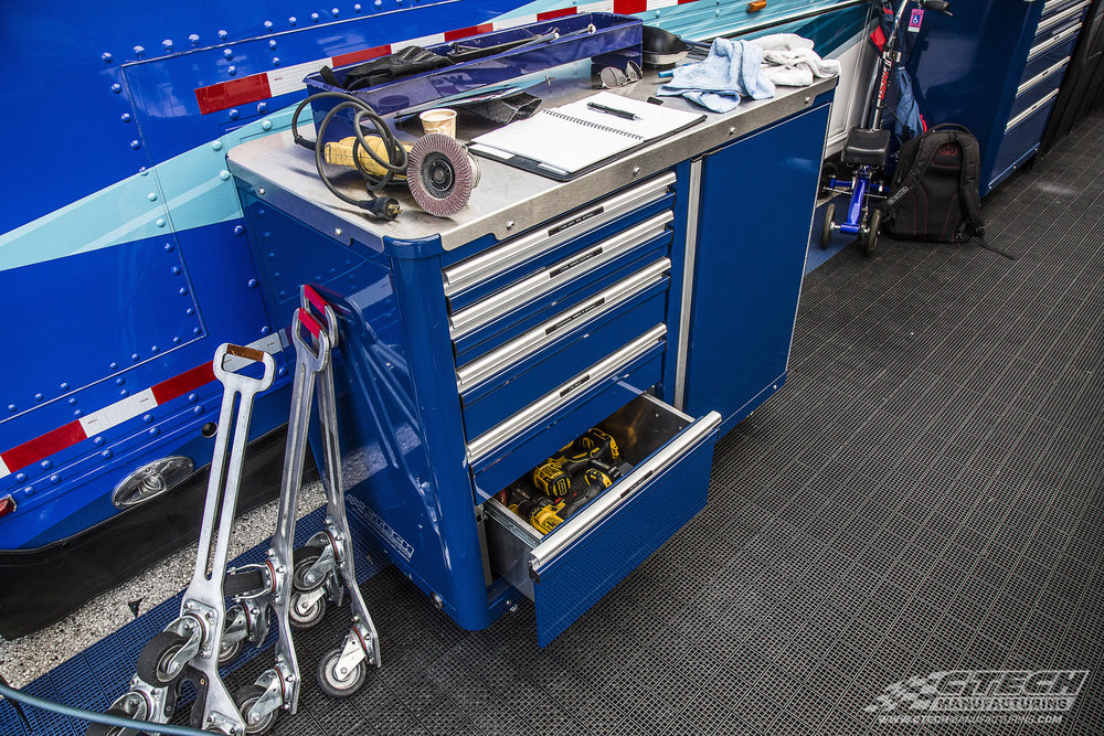 Caster Carts by CTECH are built to go from trailer to paddock with little effort, providing a durable worktop and extremely accessible tool/equipment storage optimized to keep your team running as efficiently as possible in the heat of competition.