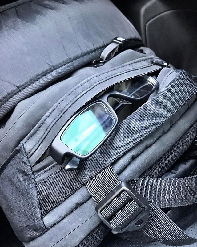 I LOVE this top stash pocket on the @tripleaughtdesign Axiom x25. Perfect for quick access. #hike #backpack #backpacking #edc #grayman #adventure