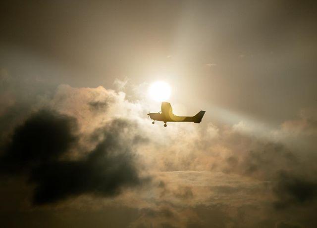 Cessna 172, late afternoon, Embry-Riddle, Daytona Beach. #aviation #cessna #flightschool