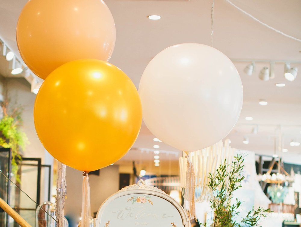 Lifted-Balloons-Giant-Balloons-Wedding-Decor-Events-Corporate-Celebrations
