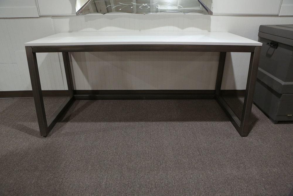 Modern White Wood Desk 3441.JPG