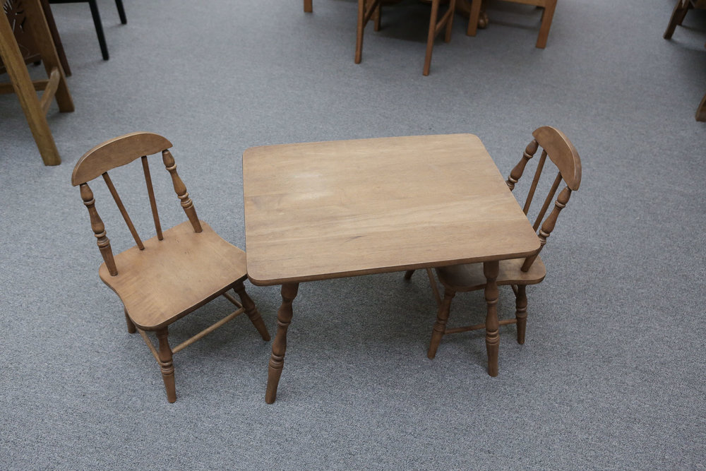 3pc Childerns Table Set 3997.JPG