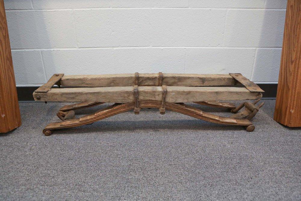 antique buggy frame 8159.JPG