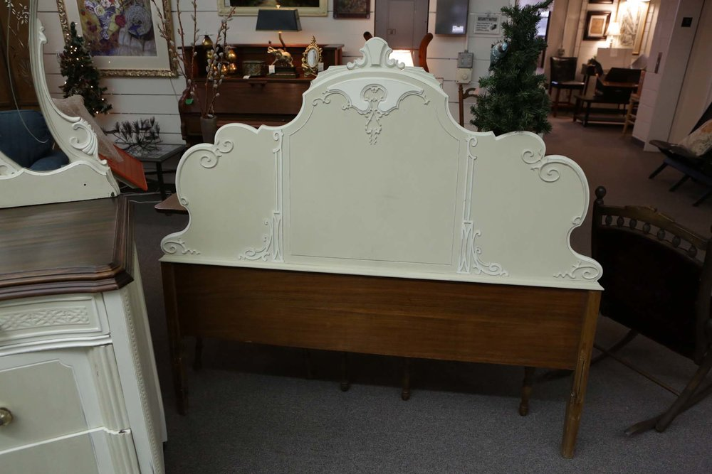 queen shabby chic bed 3282.JPG