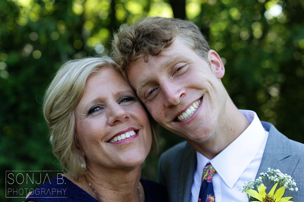 cincinnati wedding groom mother.jpg