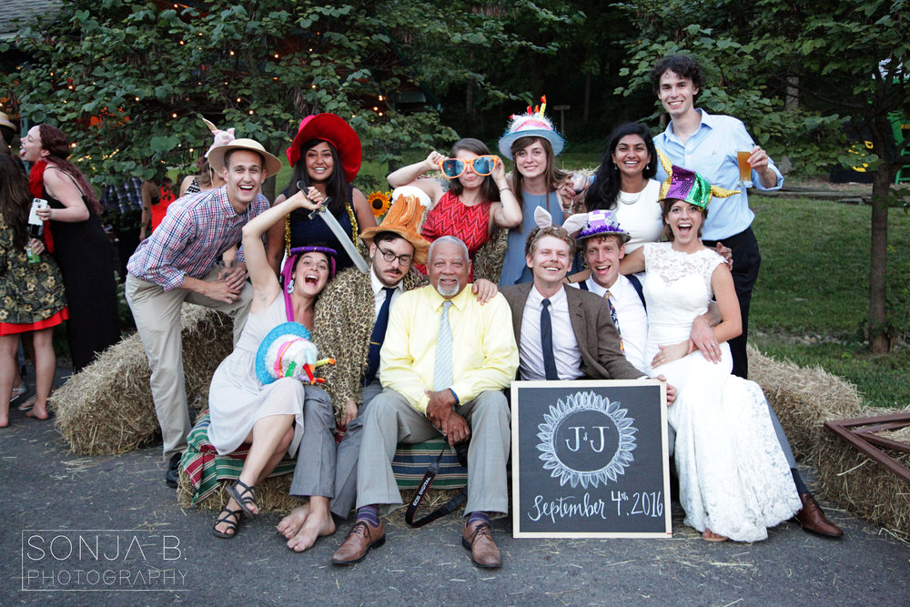 cincinnati wedding photo booth group.jpg