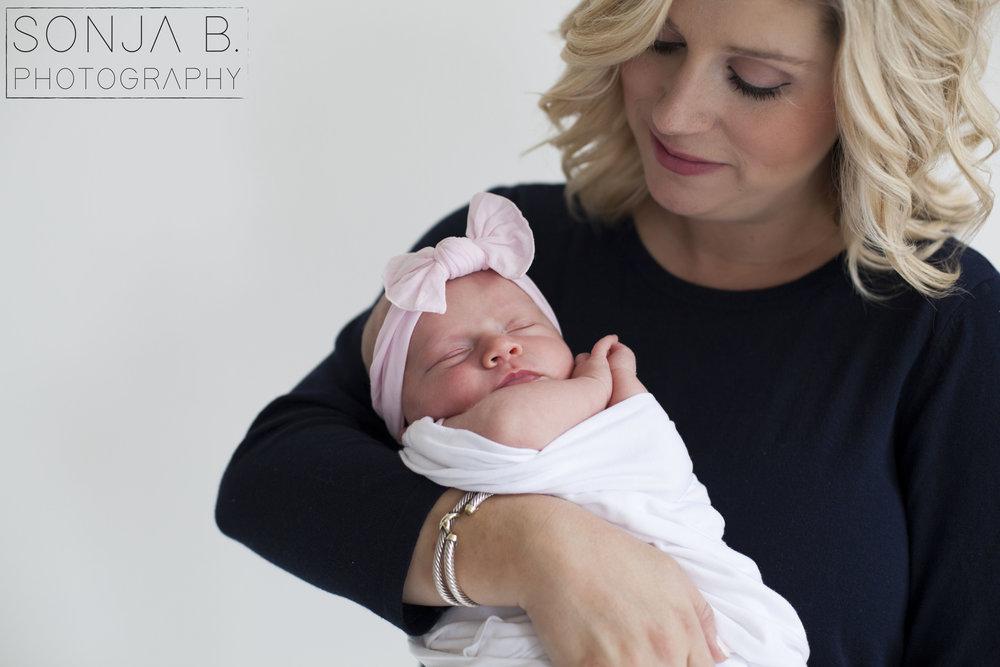 cincinnati newborn photography studio.jpg
