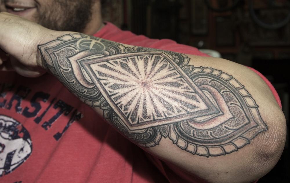 @_Bemyfriend_  mandala enrique bernal ejay tattoo.jpg