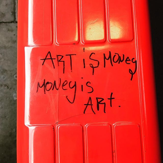 Don't forget it. 🔴  #artist #streetart #busstop