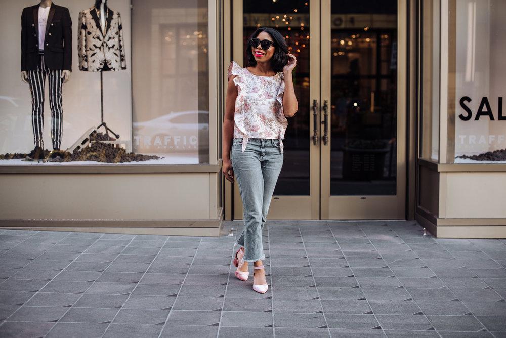 High Waist Flare Jeans Style Blogger.JPG