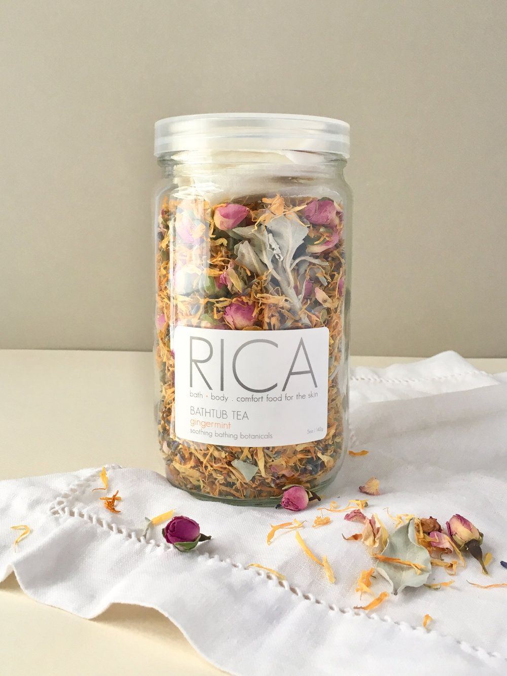 RICA bath + body Bathtub Tea Gingermint Rectangle.jpg