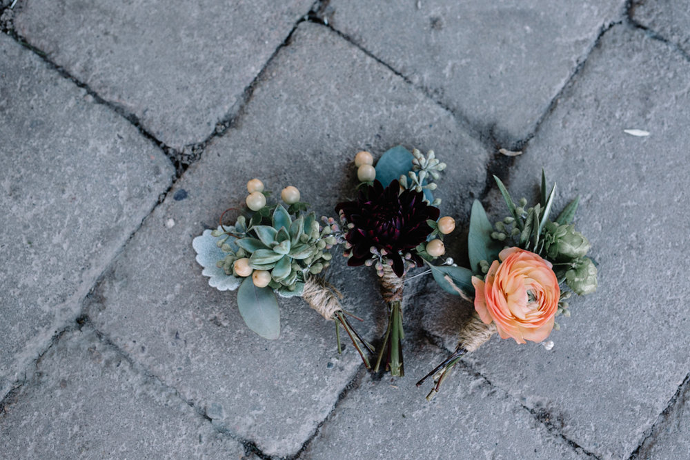 FLOWERS GROMS.jpg