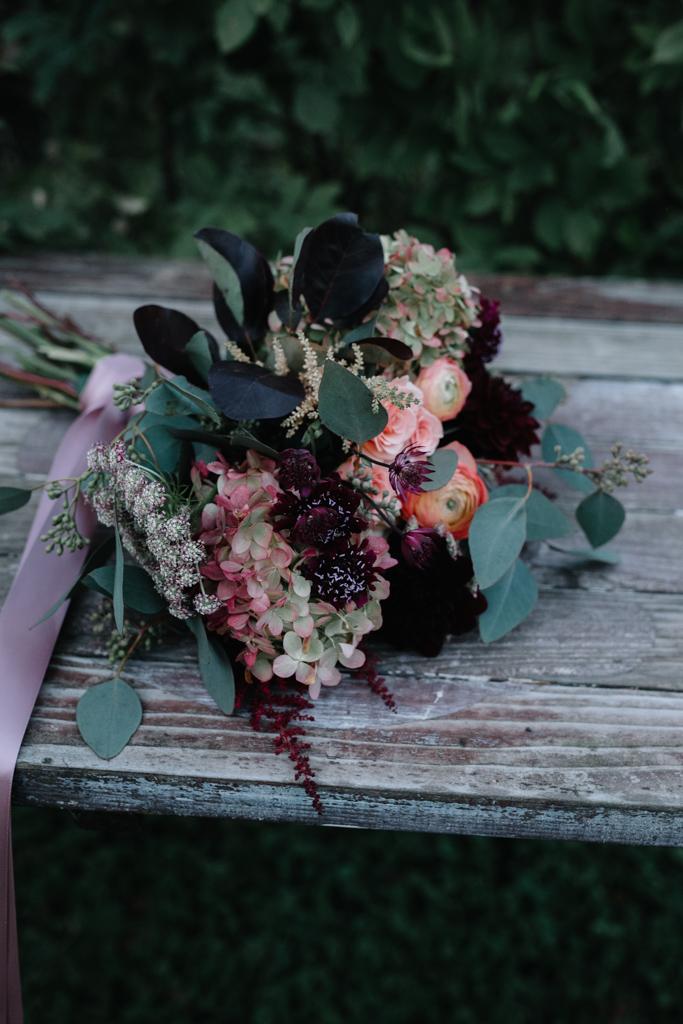 FLOWERS BRIDESMAIDS.jpg