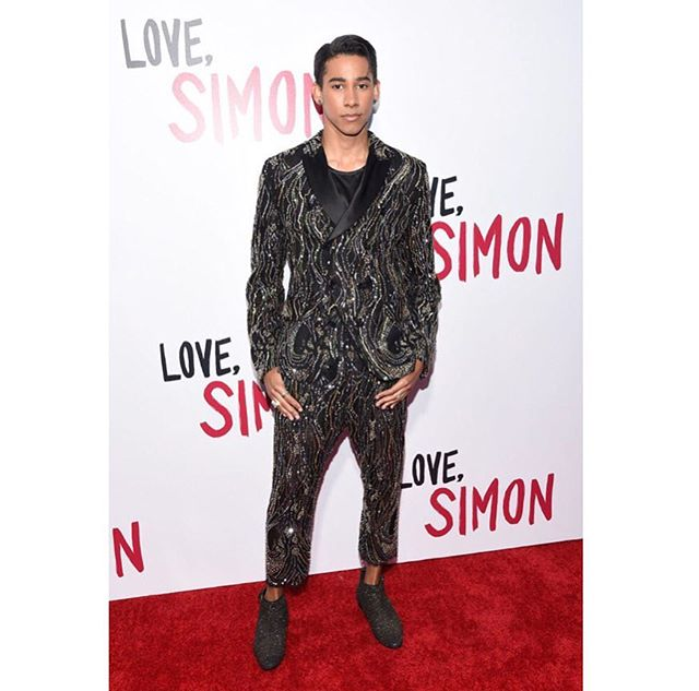 @lovesimonmovie premiere last night was pretty special 🌹Out on Friday. And despite the serious face, I cannot wait for you all to see it :) x
