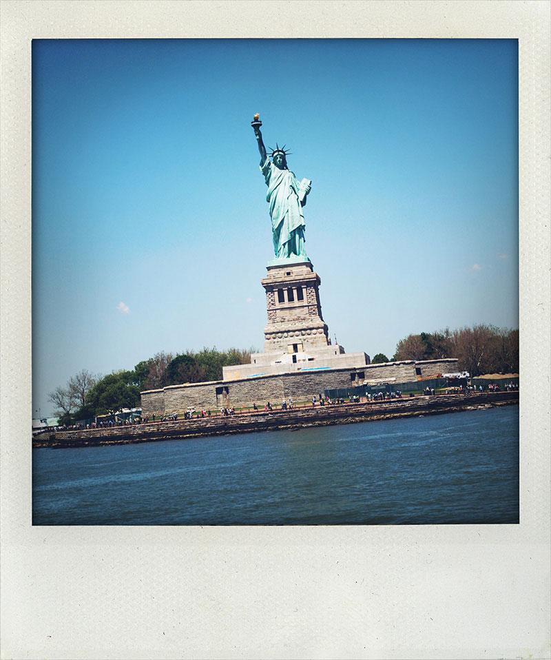 Manhattan-Diary-Polaroid-Fotografie-Freiheitsstatue-edition-wagner1972.jpg