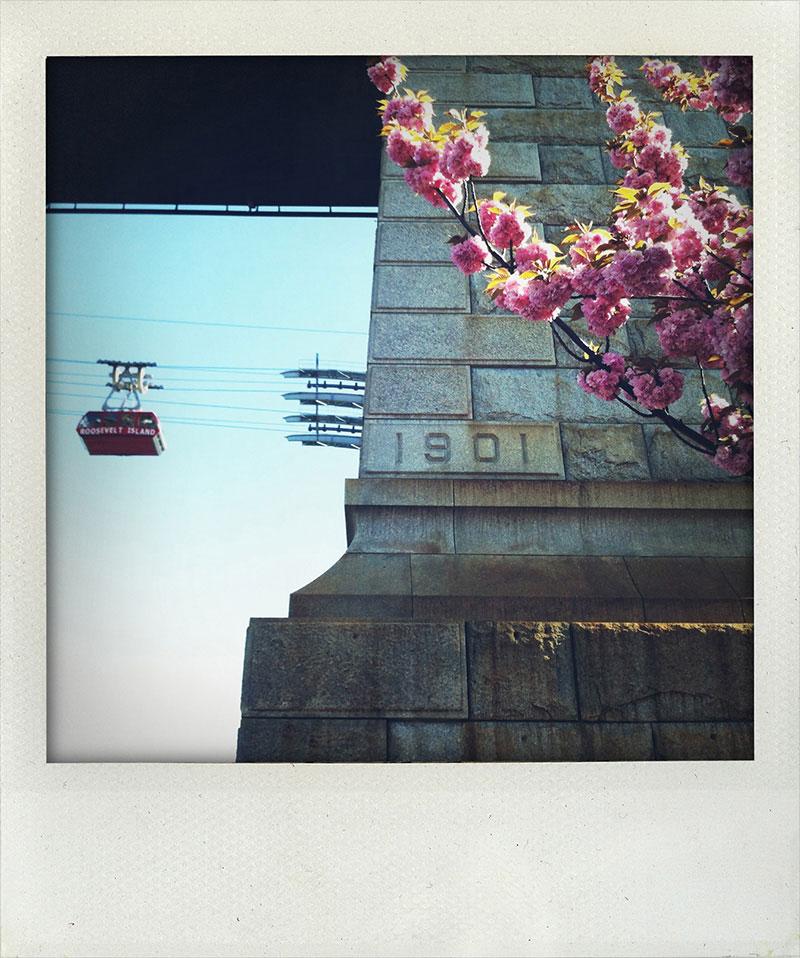Manhattan-Diary-Polaroid-Fotografie-Roosevelt-Island-edition-wagner1972.jpg