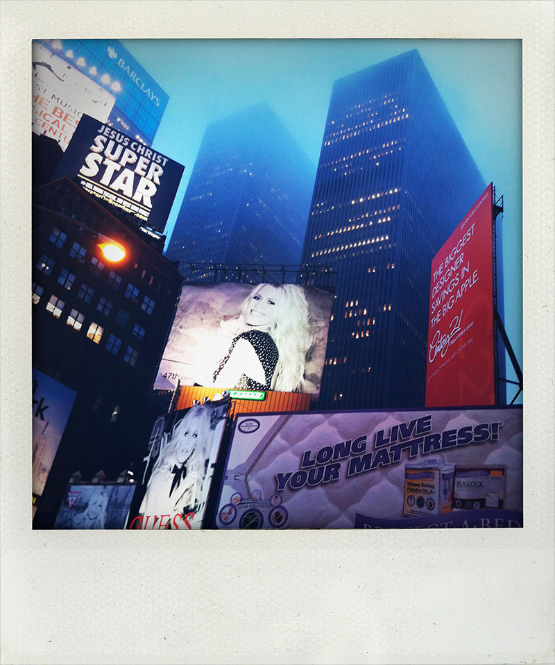 Manhattan-Diary-Polaroid-Fotografie-Times-Square-3-edition-wagner1972.jpg