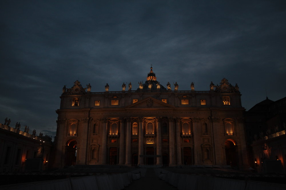 St Peter's from front at night.JPG