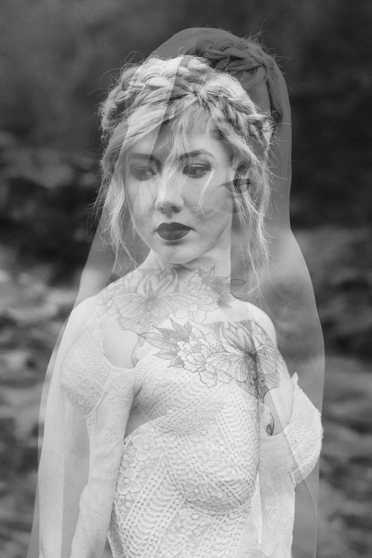 Fall Wedding Inspiration - Folky Autumn Wedding Shoot