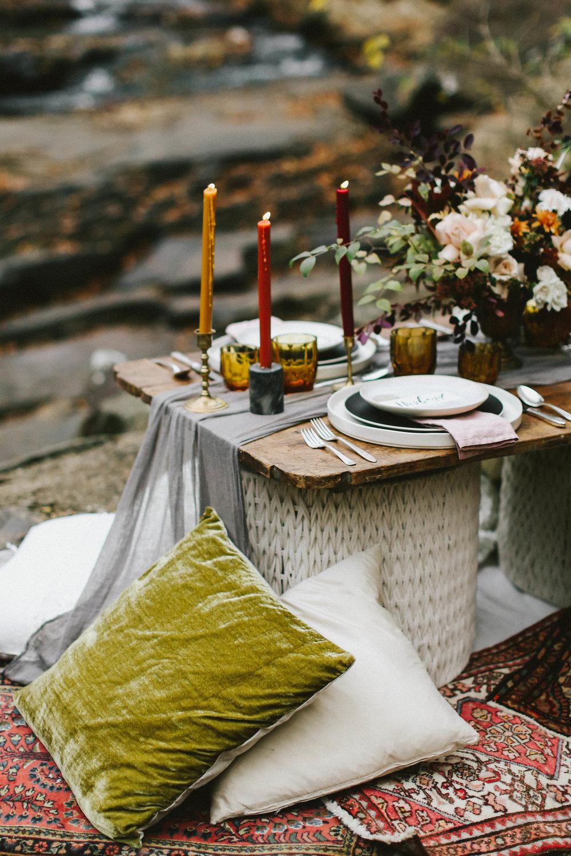 Folky Fall Wedding Shoot - Folky Wedding Inspiration and Ideas
