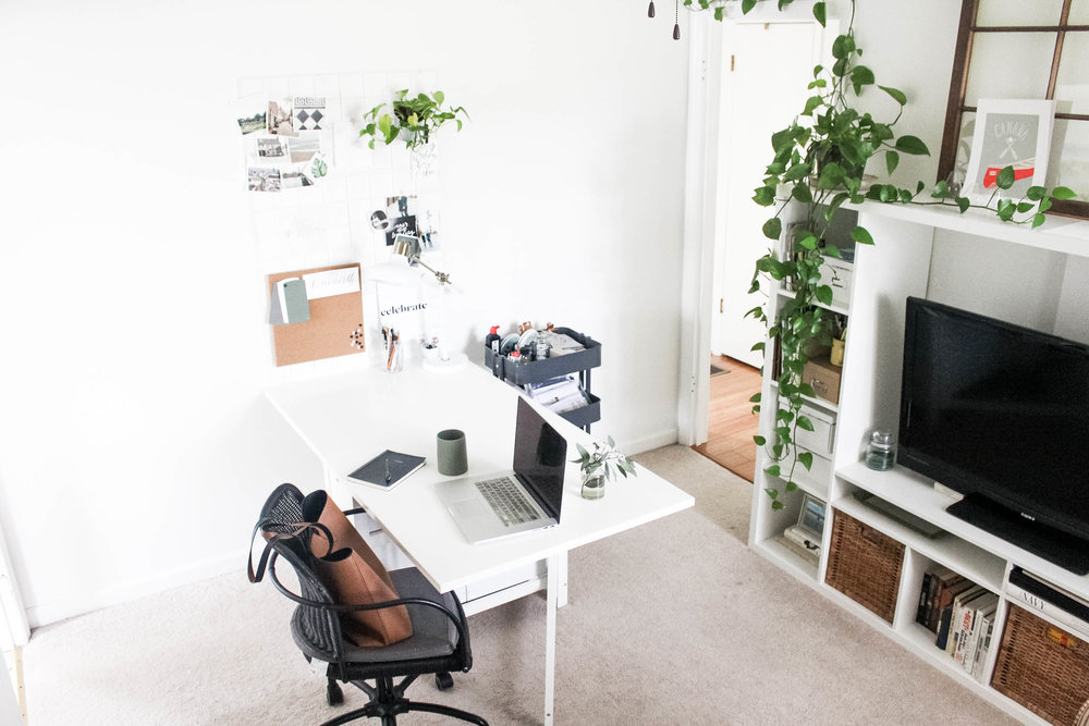 Calligraphers Office Tour - Small Work Space - True North Paper Co.