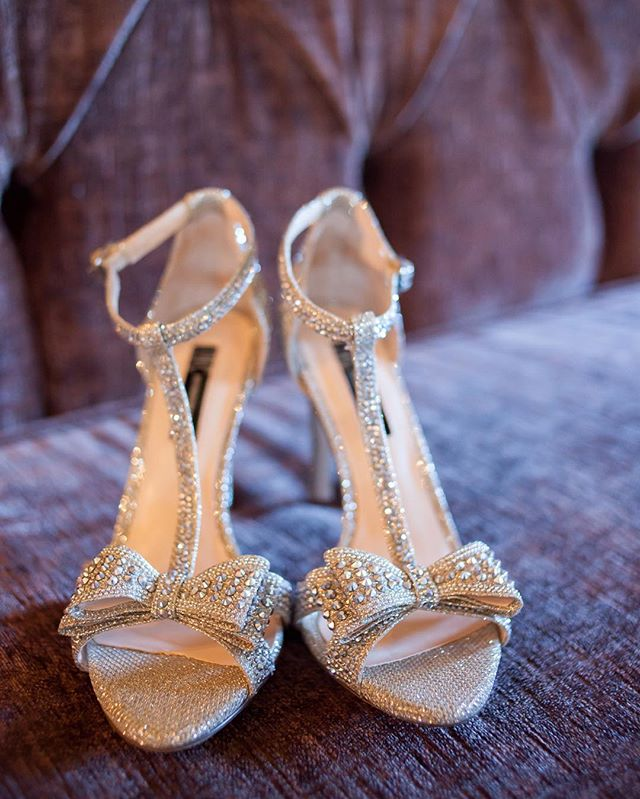 Love me a pretty pair of wedding shoes! ✨