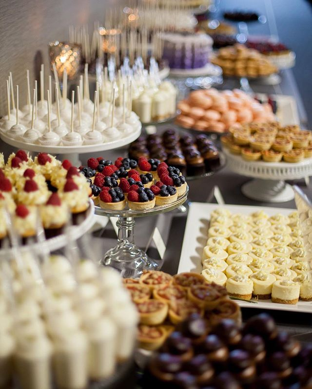 Seriously the MOST gorgeous dessert spread I've ever seen! @cocoaandfig