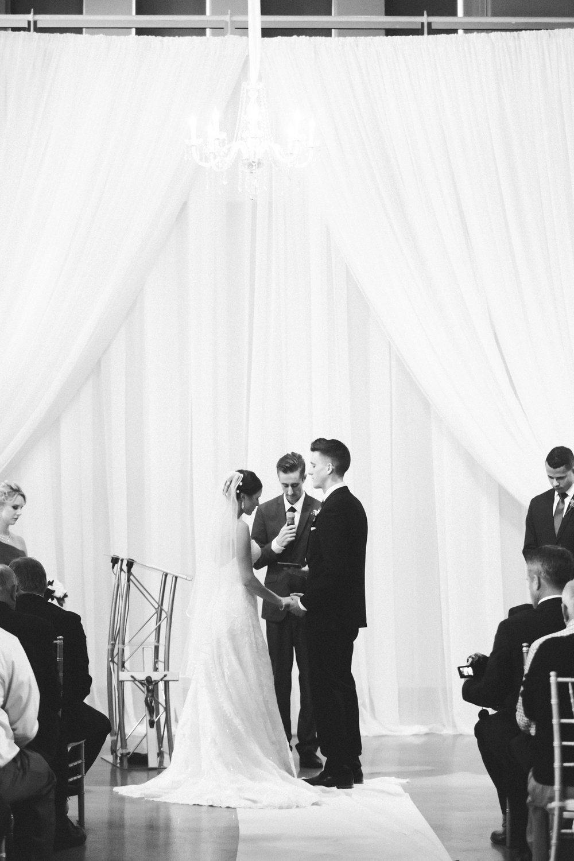 04-muse-event-center-wedding-minneapolis-photographer.jpg