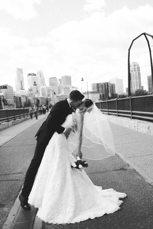 05-muse-event-center-wedding-minneapolis-photographer.jpg
