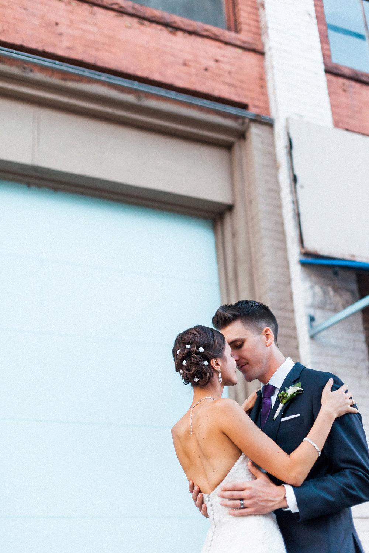 09-muse-event-center-wedding-minneapolis-photographer.jpg