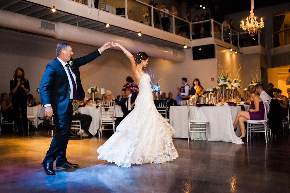 15-muse-event-center-wedding-minneapolis-photographer.jpg