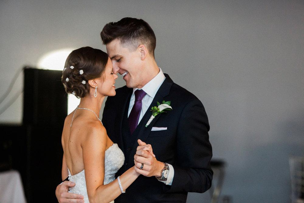 29-muse-event-center-wedding-minneapolis-photographer.jpg
